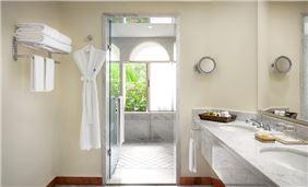 Master Suite Bathroom Hotel Casa Velas