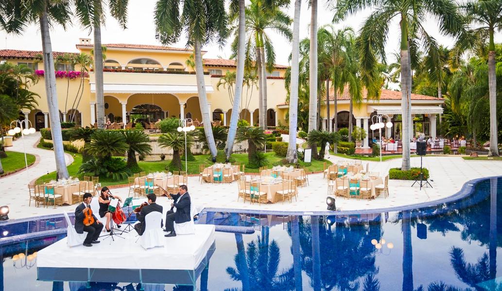 Terraza de la Piscina en el hotel Casa Velas, Puerto Vallarta
