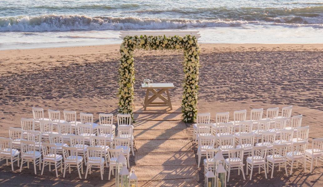 Celebra tu boda en el Club de Playa del hotel Casa Velas, Puerto Vallarta